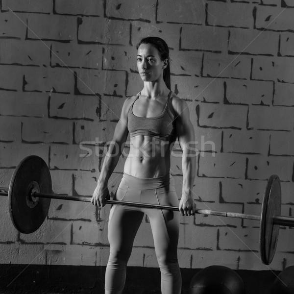 Barbell gewichtheffen vrouw training gewichtheffen oefening Stockfoto © lunamarina