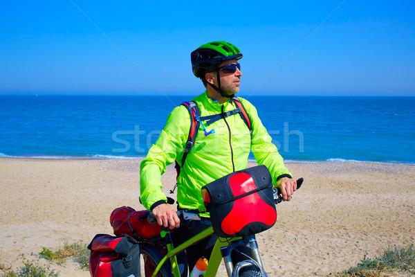 Rowerowe turystycznych rowerzysta morze Śródziemne plaży niebo Zdjęcia stock © lunamarina
