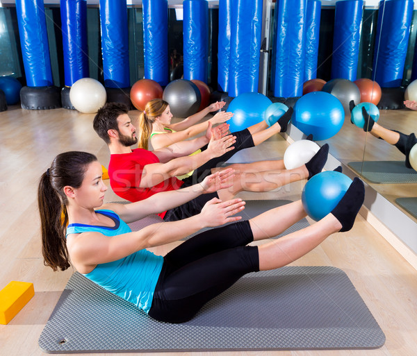 Pilates softbal groep oefening gymnasium fitness Stockfoto © lunamarina
