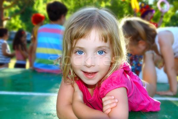 Felice bambina tennis da tavolo parco piccolo sorridere Foto d'archivio © lunamarina