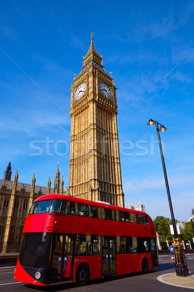 различия картинка красный автобус большая башня