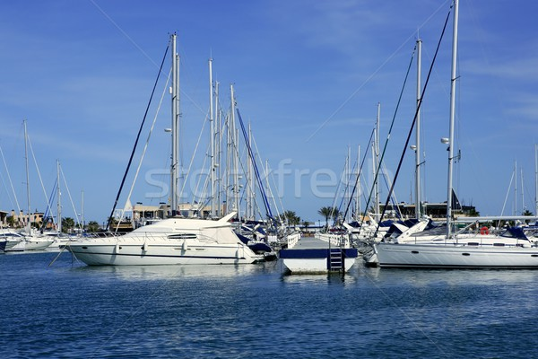 Belo marina veleiros ver azul água Foto stock © lunamarina