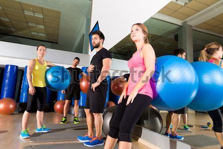 Stabilità palla donne pilates classe vista posteriore Foto d'archivio © lunamarina