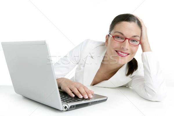 Stok fotoğraf: Modern · işkadını · beyaz · takım · elbise · dizüstü · bilgisayar · bilgisayar