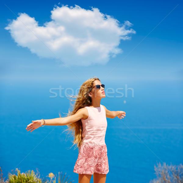 Blond dziewczyna włosy powietrza niebieski morze Śródziemne Zdjęcia stock © lunamarina