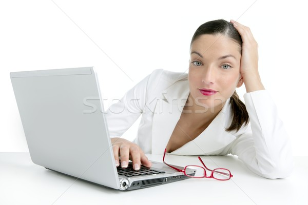 Сток-фото: современных · деловая · женщина · белый · костюм · портативного · компьютера · компьютер
