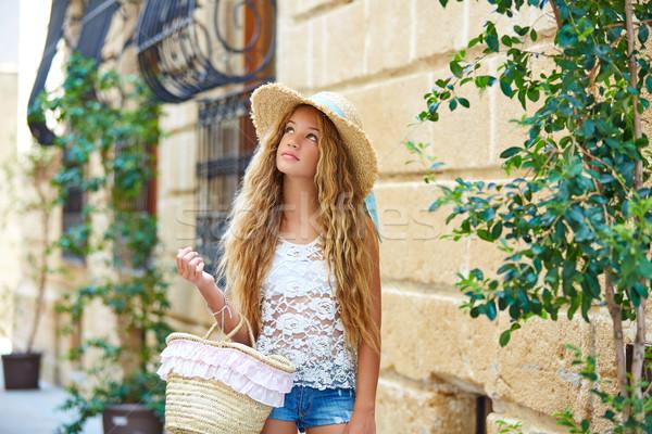 Blond turystycznych dziewczyna morze Śródziemne starówka Hiszpania Zdjęcia stock © lunamarina