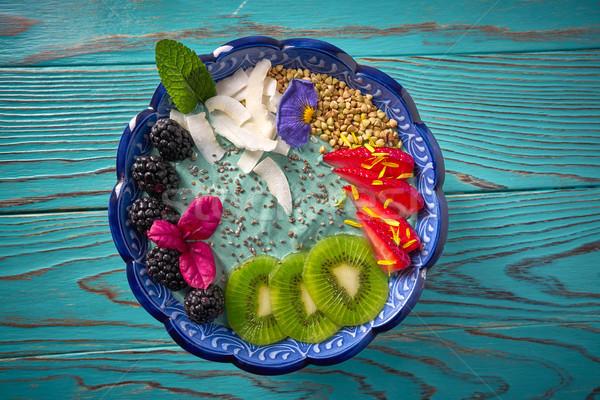 Foto stock: Tazón · zalamero · kiwi · BlackBerry · fresa · flores