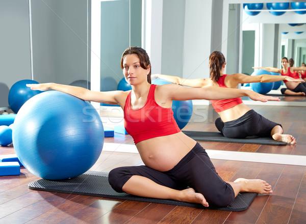 Foto stock: Mujer · embarazada · pilates · sirena · ejercicio · entrenamiento · gimnasio