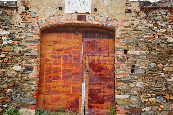 Eski grunge demir paslı kapı Stok fotoğraf © lunamarina