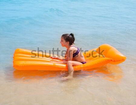Crianças criança menina jogar praia flutuante Foto stock © lunamarina