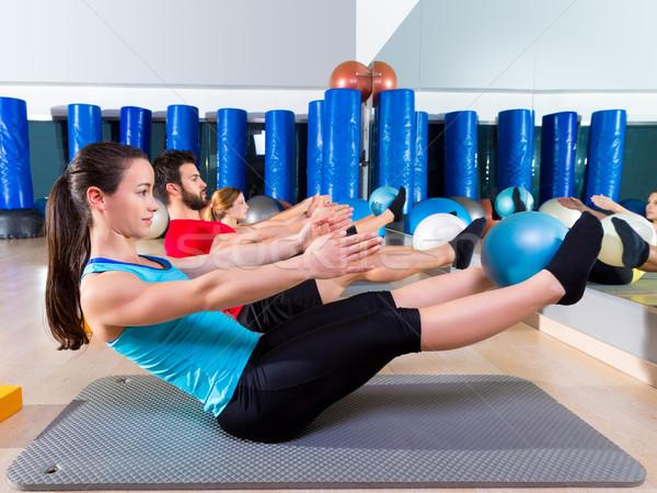 Pilates softbal groep oefening gymnasium fitness Stockfoto © lunamarina