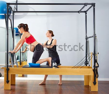 Aérobic pilates instructeur femme fitness exercice Photo stock © lunamarina