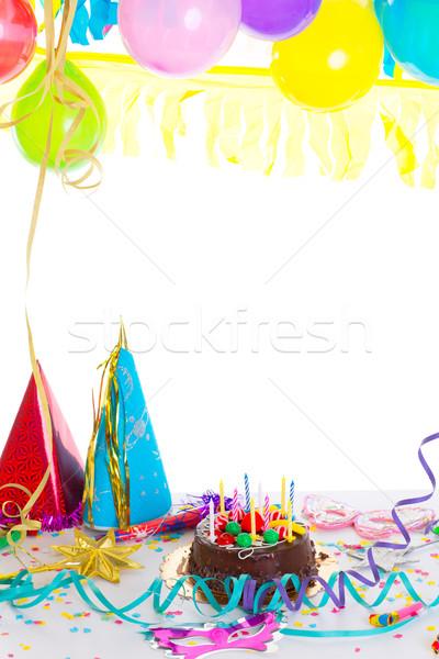 Enfants fête d'anniversaire gâteau au chocolat confettis guirlande alimentaire Photo stock © lunamarina
