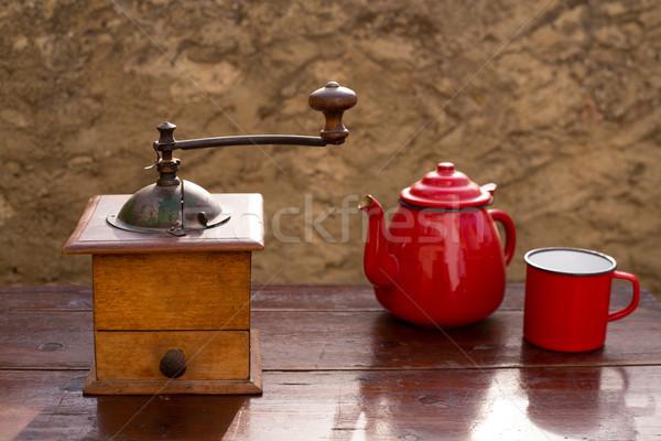 Retro eski kahve öğütücü bağbozumu kırmızı Stok fotoğraf © lunamarina