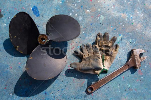 Сток-фото: лодка · пропеллер · улучшение · ремонта · инструменты · перчатки