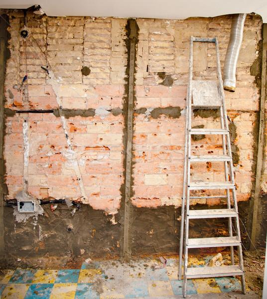 Yıkım mutfak iç inşaat merdiven ev duvar Stok fotoğraf © lunamarina