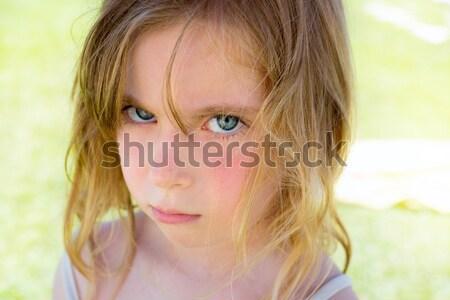 Böse blond Kinder Mädchen Porträt schauen Stock foto © lunamarina