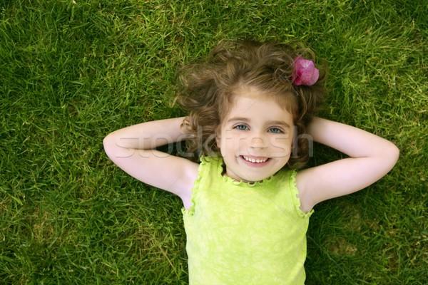 Stockfoto: Mooie · weinig · meisje · gelukkig · gras