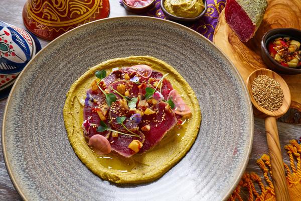 Marynowane tuńczyka przepis drewniany stół kwiaty restauracji Zdjęcia stock © lunamarina