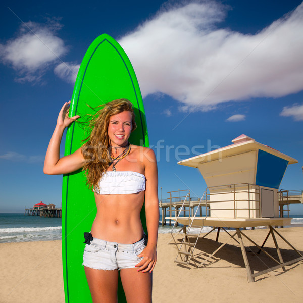 Blond surfer tienermeisje surfboard strand Stockfoto © lunamarina