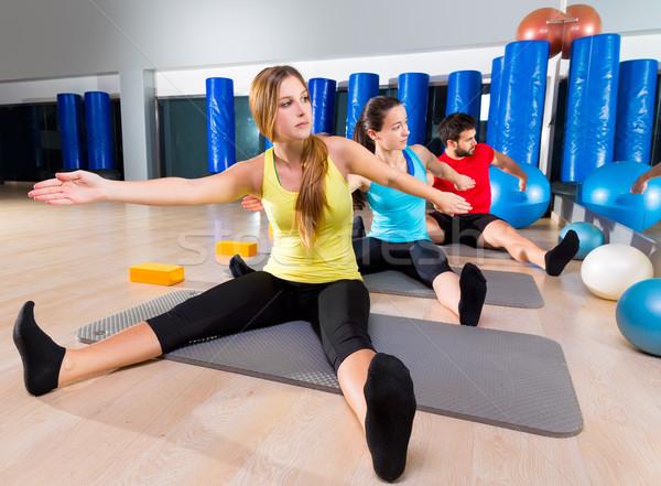 Pilates ioga treinamento exercer fitness ginásio Foto stock © lunamarina