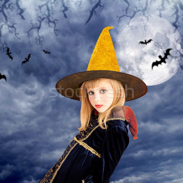 Mooie blond halloween kid meisje maan Stockfoto © lunamarina