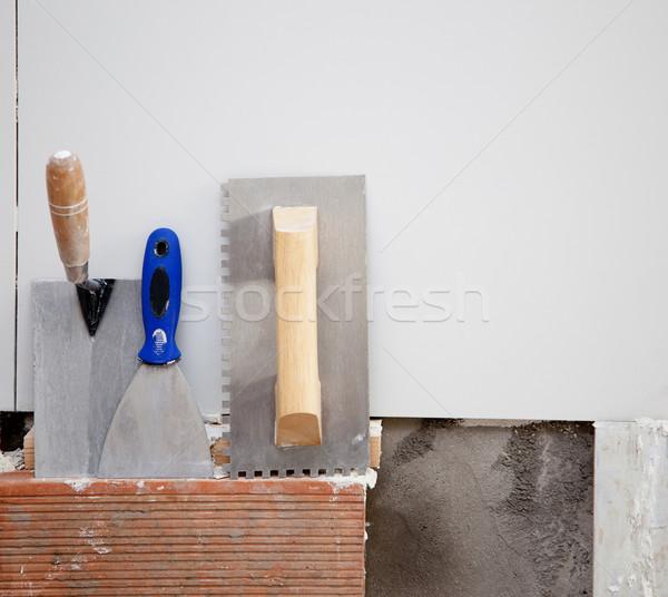 Bouw tools spatel tegels gebouw man Stockfoto © lunamarina