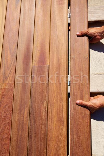 Dek hout installatie handen textuur home Stockfoto © lunamarina