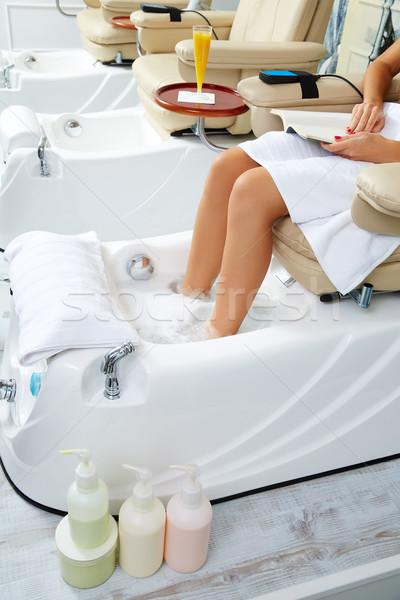 Pedikűr láb fürdőkád kanapé szék körmök Stock fotó © lunamarina
