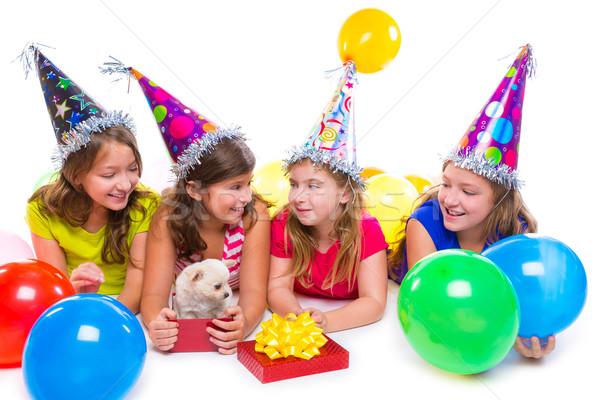 Mutlu çocuk kızlar köpek yavrusu köpek hediye Stok fotoğraf © lunamarina
