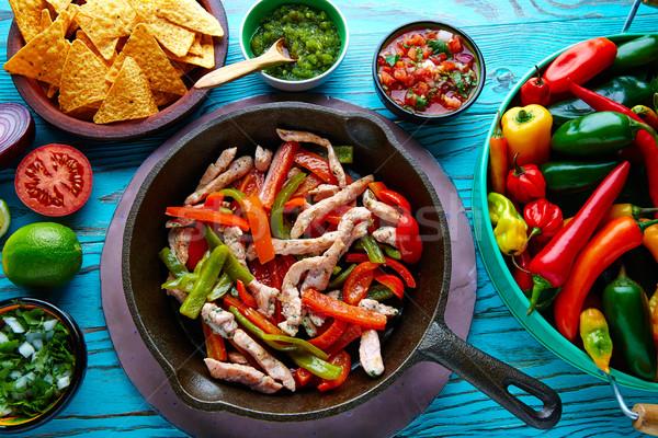 ストックフォト: 鶏 · ファヒータ · パン · 唐辛子 · メキシコ料理 · メキシコ料理