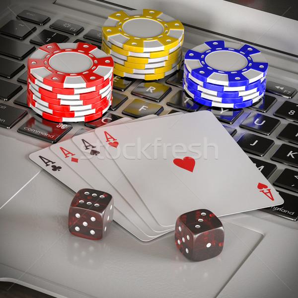 ノートパソコン チップ ポーカー カード 表 インターネット ストックフォト © Lupen