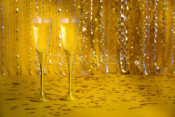 Dos champán flautas Foto stock © LynneAlbright