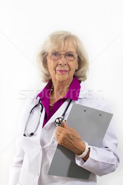 立って 女性 医師 クリップボード 金属 ストックフォト © LynneAlbright