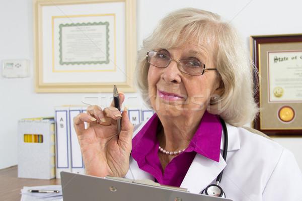 医師 警告 女性 医師 デスク ストックフォト © LynneAlbright