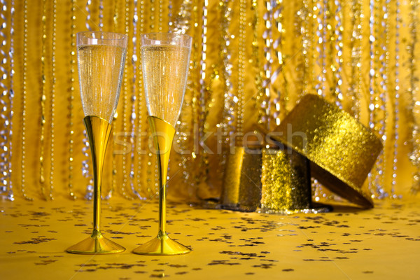 Due oro champagne flauti party Foto d'archivio © LynneAlbright