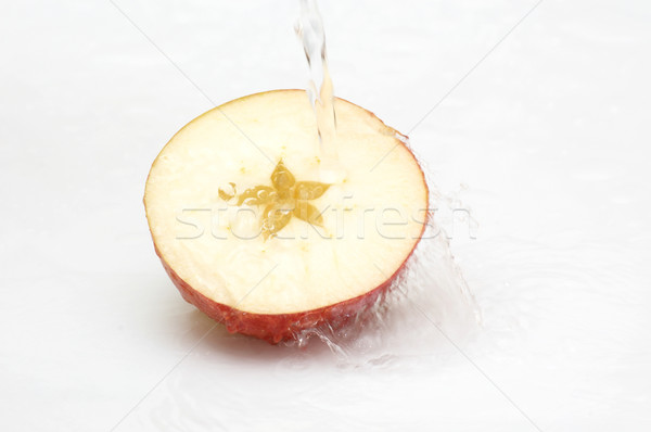 Kristály tiszta víz csobbanás érett alma gyümölcs Stock fotó © lypnyk2