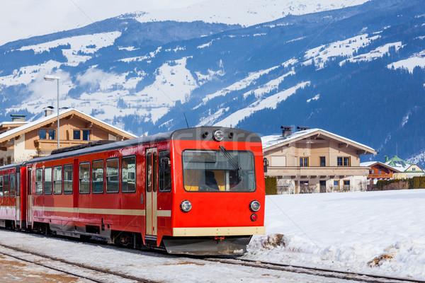 Piros vonat Ausztria alpesi síel üdülőhely Stock fotó © macsim
