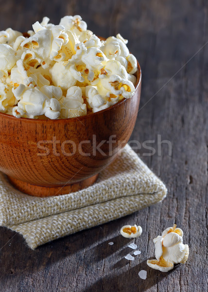 Tuzlu patlamış mısır ahşap masa gıda ahşap film Stok fotoğraf © mady70