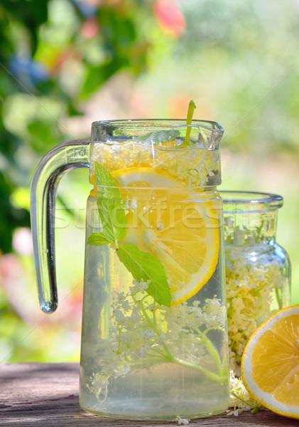 Idősebb limonádé citrom öreg asztal fa Stock fotó © mady70