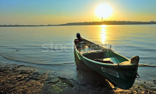 Vissersboot wal donau zonsondergang hemel hout Stockfoto © mady70