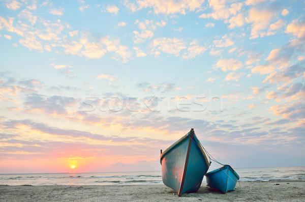Azul barcos playa amanecer naturaleza fondo Foto stock © mady70