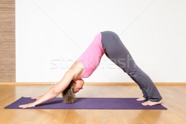 Yoga donna immagine sport fitness sfondo Foto d'archivio © magann