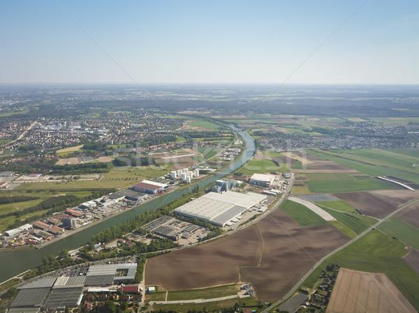 Iniş havaalanı görüntü gökyüzü sokak uçak Stok fotoğraf © magann