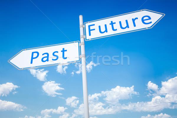 Geçmiş gelecek görüntü tipik yol işareti ok Stok fotoğraf © magann