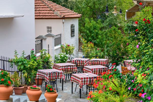 étterem utca terasz virágok körül asztal Stock fotó © mahout