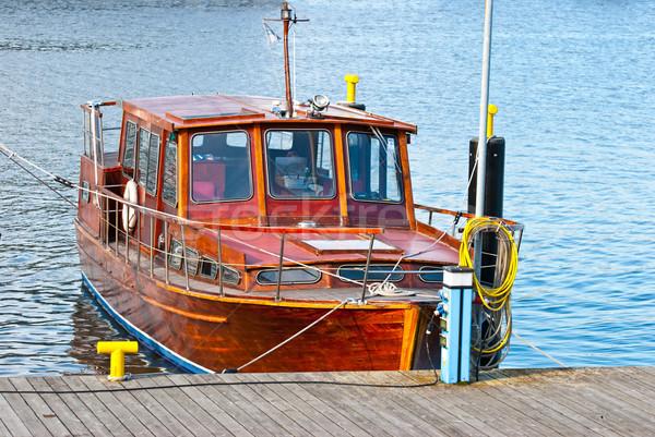 Bois bateaux bateau permanent port ville Photo stock © maisicon