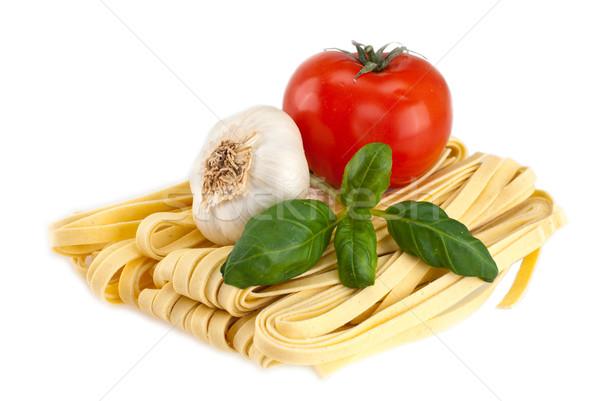 Spagetti sarımsak domates fesleğen domates atış Stok fotoğraf © maisicon