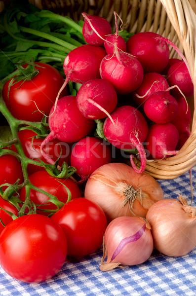 Friss zöldségek kosár levél gyümölcs egészség háttér Stock fotó © maisicon